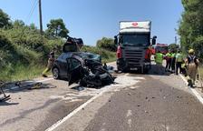 Herida tras una colisión frontal con un camión en Clariana de Cardener