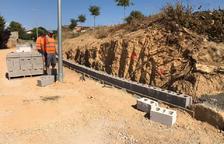 Imagen de las obras para construir el muro de contención.