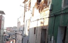 El centre històric de Fraga denuncia la venda de vivendes no habitables