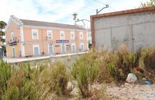 """Critican """"dejadez"""" en el entorno de las estaciones de tren y bus en Mollerussa"""