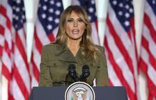Melania Trump mostra un efusiu suport al seu marit