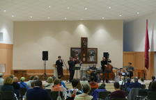 L'actuació de Pixie & Dixie a l'església de Mijaran.