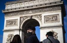 París aplica restriccions més dures per frenar el virus