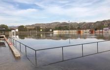 La CHE vacía el Aragón y Catalunya y anega el campo de fútbol de Alfarràs y 12 hectáreas de fincas