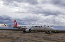 Un avión de una aerolínea suiza estaciona en Alguaire, y ya son catorce