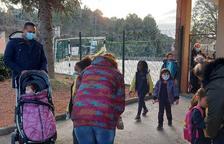 Cubells garantiza el futuro de su escuela con 6 niños de 2 familias