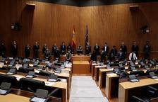 Homenatge a Lluch amb Bildu - El Congrés va acollir ahir un acte en homenatge a l'exministre Ernest Lluch, assassinat per ETA fa vint anys. A l'acte, que va ser encapçalat per la presidenta de la Cambra Baixa, Meritxell Batet, es va afegir ta ...