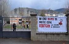 Pares i l'escola Pau Claris, contra la caldera de biomassa al pati
