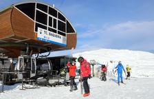 L'esquí obre a la fi la temporada i els aficionats estrenen el protocol Covid