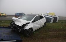Ocho heridos en una colisión en cadena en la N-240 tras cerrar la autopista por la niebla