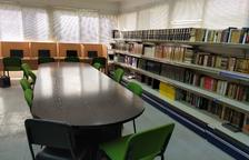 Bovera habilita al consistori una sala de lectura amb quatre ordinadors