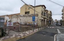 Derribado el viejo Cinema Avenida de Agramunt