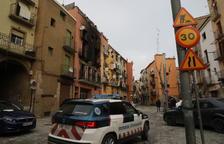 Luz pinchada y plantación de 'maría' en la casa del incendio de Balaguer