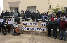 Protesta en Tarroja por el traslado del médico a Cervera y el consultorio ya abre solo dos días