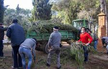Voluntaris reparen danys de temporals a l'Urgell