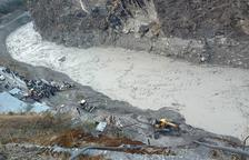 Una avalancha de agua y lodo deja 9 muertos en India
