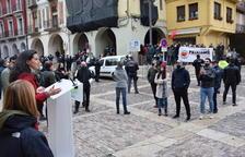 Concentración de protesta en un acto de Vox en La Seu