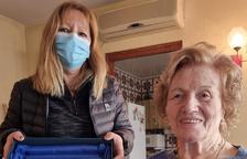 Cervià felicita a una vecina por su centenario