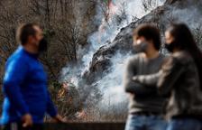 Un foc ja estabilitzat arrasa més de 1.600 ha entre Navarra i el País Basc