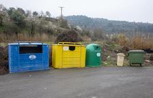 Vallbona estrena illes de contenidors per millorar el reciclatge