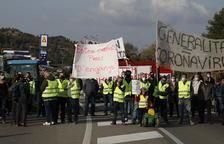 IMATGES | Cent pagesos tallen de nou la C-12 per exigir ajudes pel Filomena