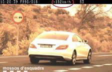 Moment en què els Mossos van captar el vehicle a l'N-240.