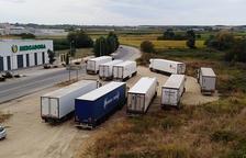 Vallarán un terreno en Mollerussa usado como parking improvisado de camiones