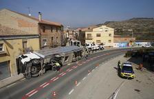 Salva la vida després que un camió li aixafi el cotxe a Castelló de Farfanya