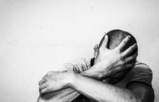 Detenida una mujer por maltratar a su hijo y su marido, que se llegó a precipitar por una ventana