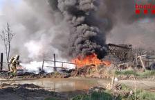 Aparatoso incendio de neumáticos en Bellver de Cerdanya