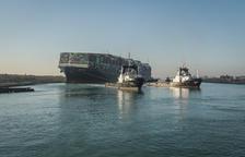 Reanudado el tráfico en el Canal de Suez tras desencallar el Ever Given