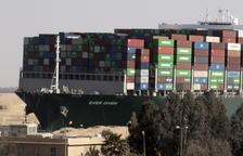 El Canal de Suez exigirá el pago de 850 millones por daños del bloqueo