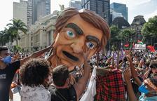 """Brasil se levanta contra Bolsonaro y su gestión """"genocida"""" de la Covid"""