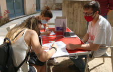 Desenes d'estudiants protesten a la Universitat de Girona en contra del requisit de la tercera llengua per obtenir el títol