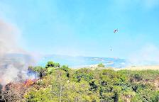 Un incendio forestal calcina siete hectáreas entre Seròs y Almatret