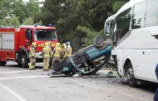 Viernes negro con dos muertos y seis niños heridos en accidentes en Lleida y Alcoletge