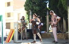 Un dels espectacles als carrers d'Almenar durant la primera jornada del Mercat Medieval.