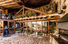 La terraza del Restaurante Braseria de L'Era del Marxant, nos invita a relajarnos rodeados de un entorno idílico.