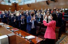 Ayuso, investida presidenta amb els vots a favor de Vox