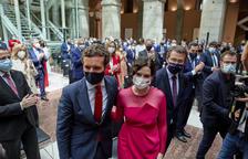 Casado acompanya Ayuso a la presa de possessió a Madrid