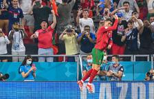 Portugal i França passen a vuitens amb un empat