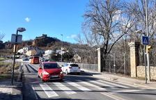 Talls a l'Eix Pirinenc a la Seu per col·locar la passarel·la de vianants de la Valira