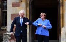 """Merkel confia a trobar una """"solució pragmàtica"""" al protocol irlandès"""