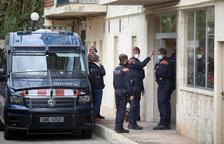 Los Mossos y la Policía Nacional detienen a cuatro hombres y desarticulan un grupo especializado en robar cajas fuertes