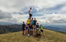 Foto de grupo de algunos de los integrantes del campo de trabajo que recorre la ruta cabanera.