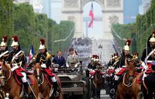Francia celebra su Día Nacional recuperando el desfile militar de París