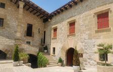 Una antiga possessió rural de Montserrat als afores de Cervera que ara acull un restaurant