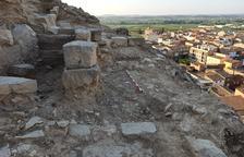 Destapan otro tramo de muralla y la entrada al Castell de Aitona