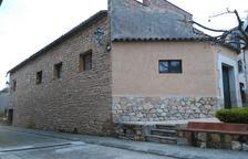 Tarrés compra la Sala Parroquial y el obispado reforma la Abadia