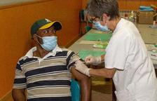 Sanitat confirma la tercera dosi de la vacuna i després un recordatori anual